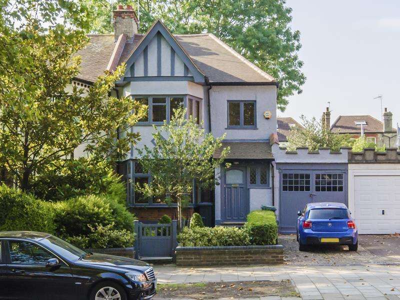 4 Bedrooms End Of Terrace House for sale in Priory Road, N8