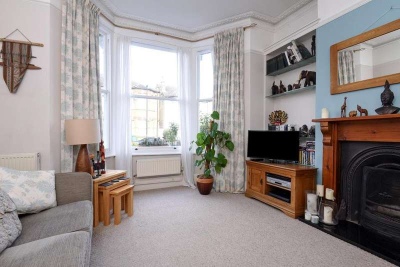 2 Bedrooms Flat for sale in Wolfington Road, West Norwood, SE27