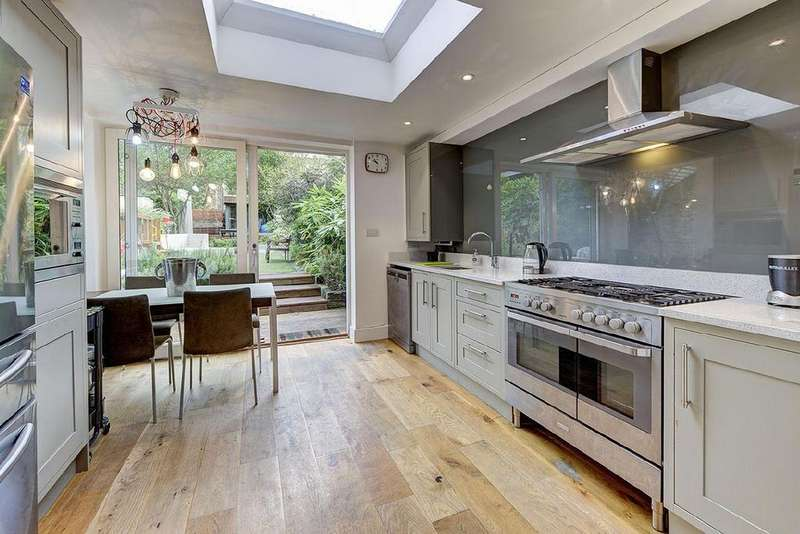 3 Bedrooms Flat for sale in Greencroft Gardens, South Hampstead, NW6