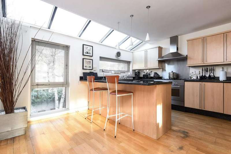 3 Bedrooms Terraced House for sale in Ardshiel Close, Putney, SW15