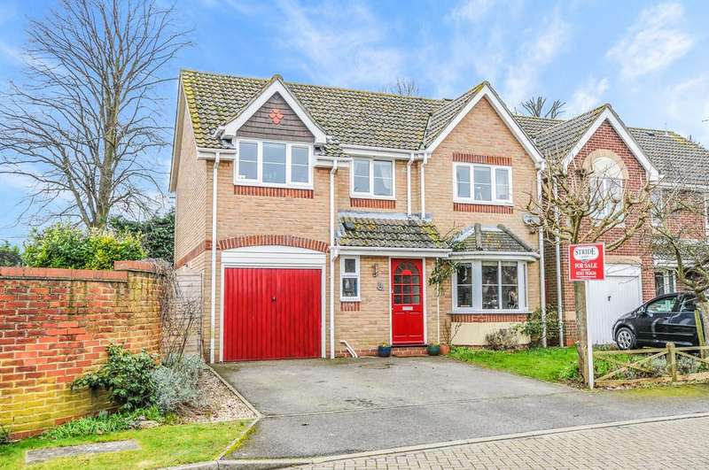 4 Bedrooms Detached House for sale in Wyvern Close, Tangmere