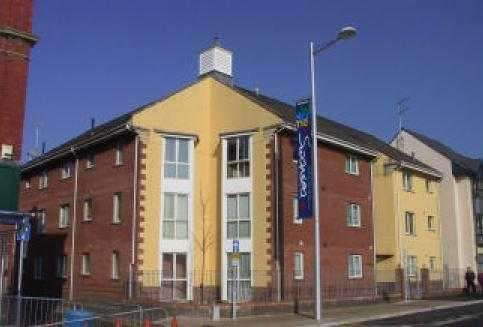 1 Bedroom Flat for sale in Flat 8 Station Court, 74A - 78 High Street, Swansea, Swansea