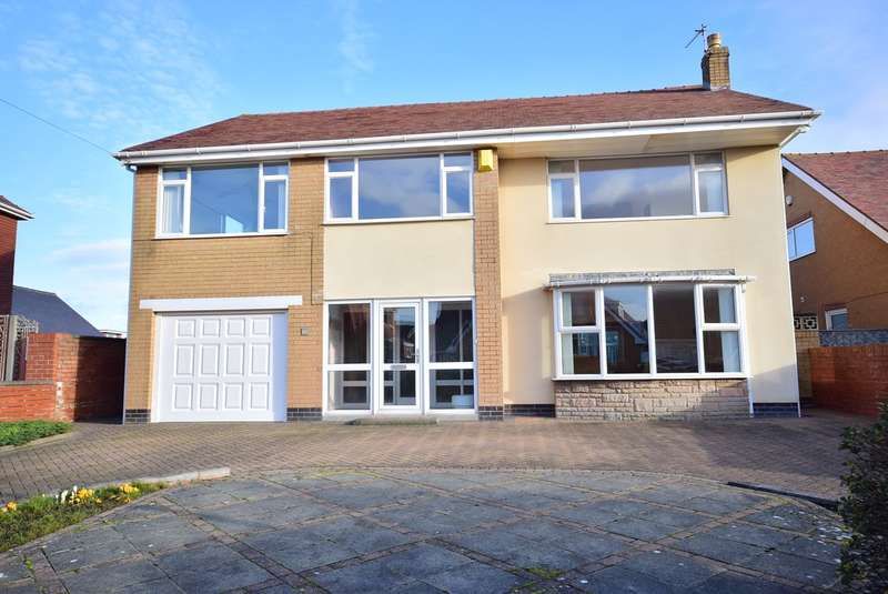 4 Bedrooms Detached House for sale in Cartmell Road, Lytham St Annes, FY8