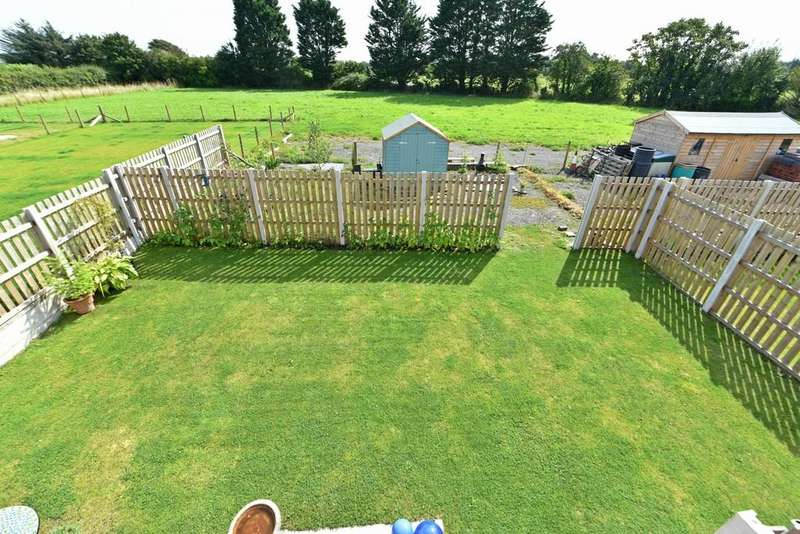 3 Bedrooms Semi Detached House for sale in Snape Green, Scarisbrick