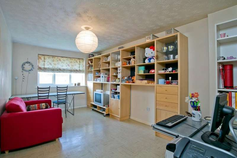 1 Bedroom Apartment Flat for sale in Liden Close, Hitcham Road