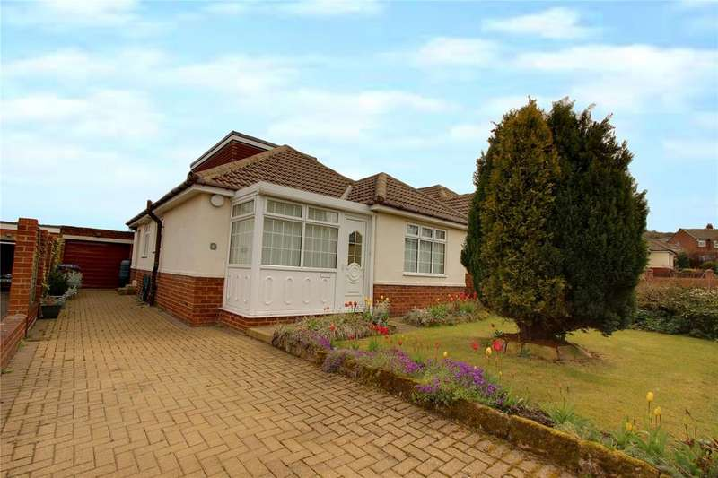 4 Bedrooms Bungalow for sale in Meadowbank Road, Ormesby