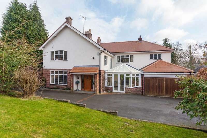 5 Bedrooms Detached House for sale in New Road, Prestbury