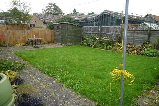 3 Bedrooms Bungalow for sale in Horseshoe Terrace, Wisbech, PE13