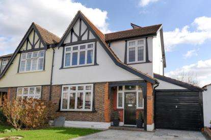 4 Bedrooms Semi Detached House for sale in St. James's Avenue, Beckenham