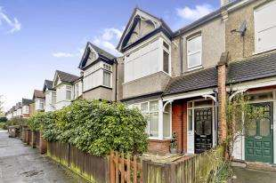 2 Bedrooms Flat for sale in Cotswold Road, Sutton, Surrey, Greater London