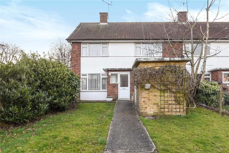 2 Bedrooms Maisonette Flat for sale in Southbourne Gardens, Ruislip, Middlesex, HA4
