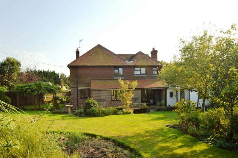 4 Bedrooms Detached House for sale in Froxfield, FROXFIELD, Petersfield, Hampshire