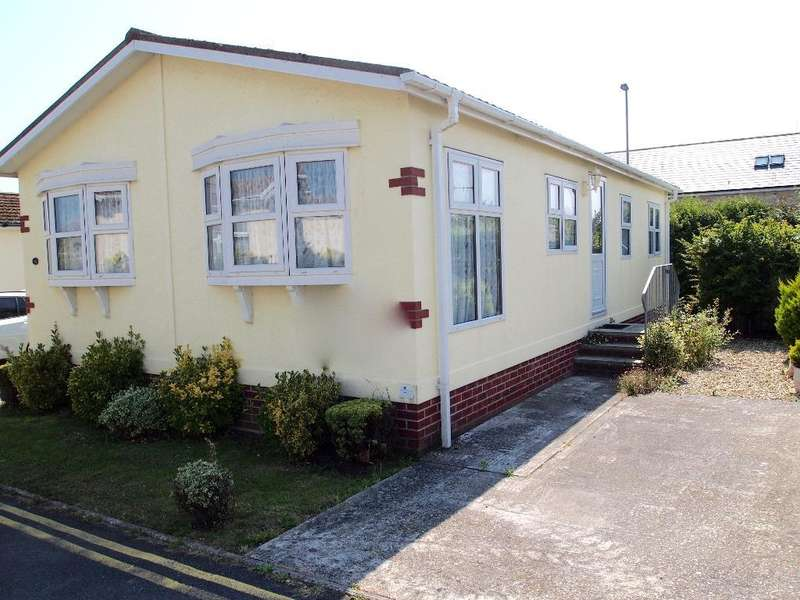 2 Bedrooms Mobile Home for sale in CVP1044, Charlestown, Weymouth, Dorset, DT3 4AB
