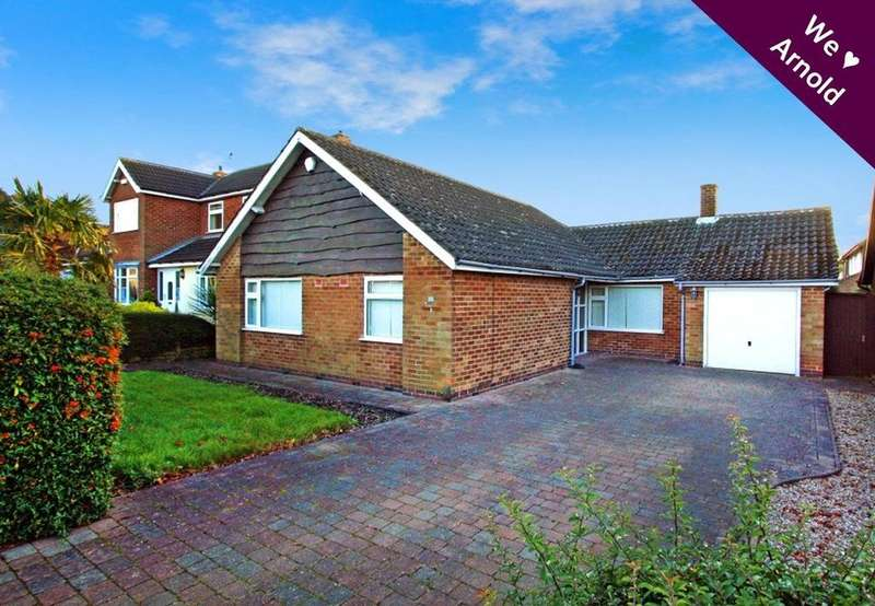 3 Bedrooms Detached Bungalow for sale in Middlebeck Drive, Arnold, Nottingham, Nottinghamshire, NG5