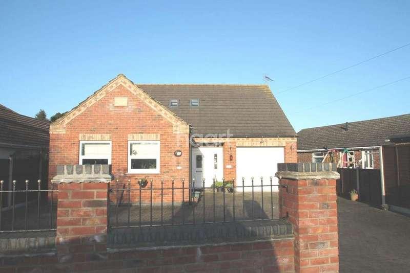 3 Bedrooms Bungalow for sale in Johnson Drive, Bracebridge Heath, Lincoln, LN4