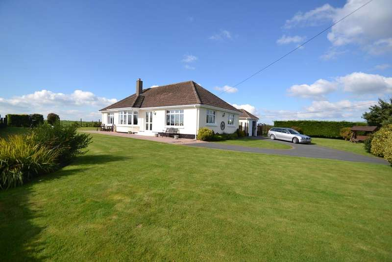 3 Bedrooms Bungalow for sale in Newton St. Petrock, Torrington