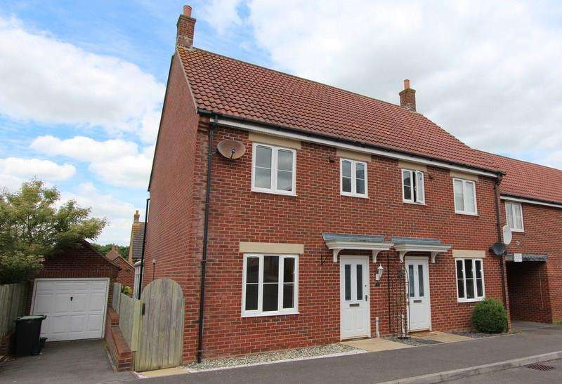 3 Bedrooms Semi Detached House for sale in Sturminster Newton, Dorset