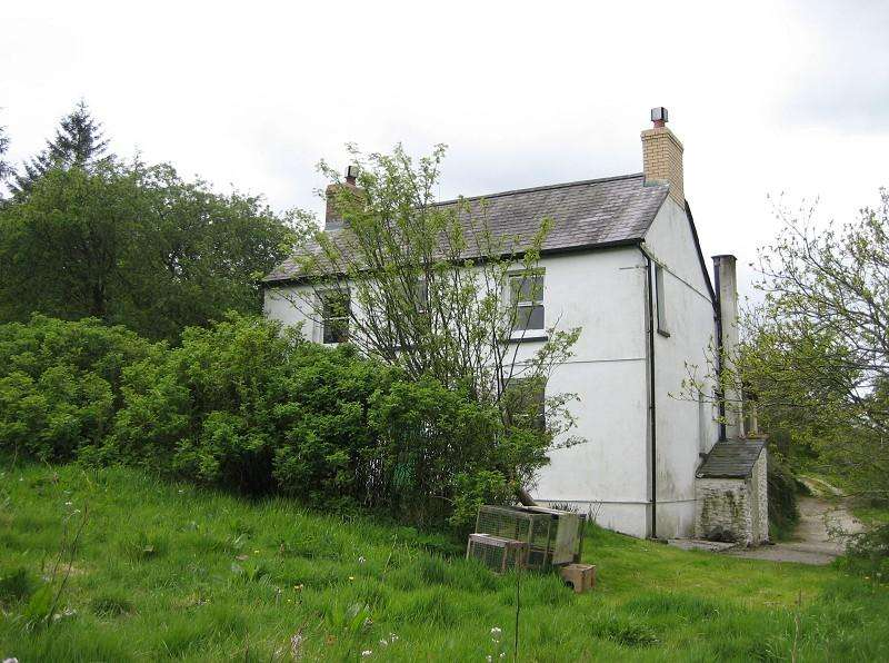 3 Bedrooms Land Commercial for sale in Rhydwen , Talgarreg, Llandysul, Ceredigion. SA44 4HB