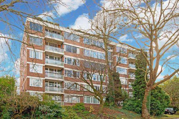 2 Bedrooms Flat for sale in Shepherd's Hill, Highgate, London, N6