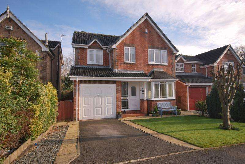 4 Bedrooms Detached House for sale in Poplars Way, Beverley