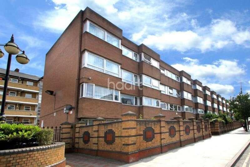 3 Bedrooms Flat for sale in Keats House, Roman Road, E2