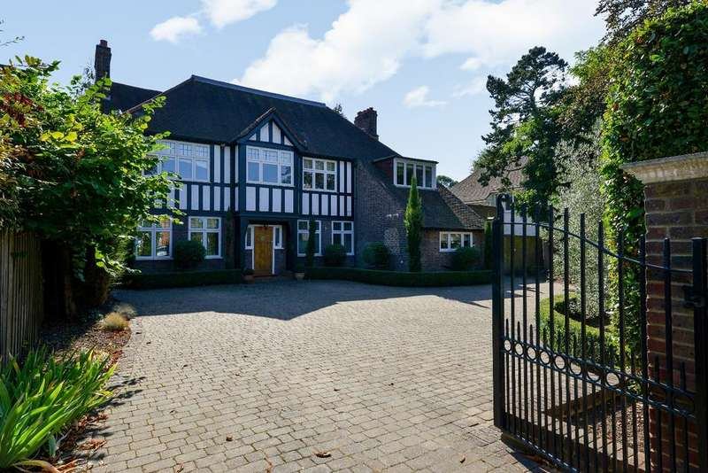 6 Bedrooms Detached House for sale in Hayes Way Beckenham BR3