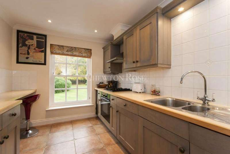 3 Bedrooms Block Of Apartments Flat for sale in Taplow, Buckinghamshire