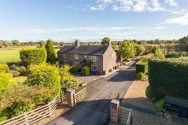 5 Bedrooms Detached House for sale in Manor Lane, Holmes Chapel