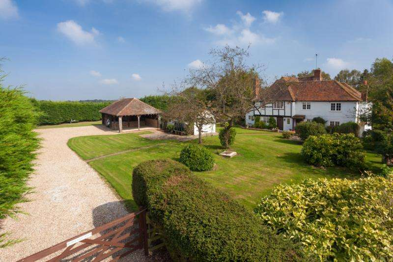 5 Bedrooms Detached House for sale in Fisher Street Road, Badlesmere, Faversham, Kent, ME13