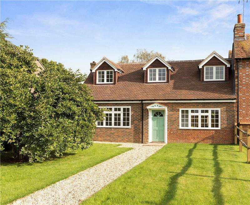 3 Bedrooms Semi Detached House for sale in Magnolia Cottage, Alfold, Cranleigh, Surrey, GU6