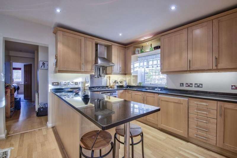 3 Bedrooms Flat for sale in Windsor Road, Ealing