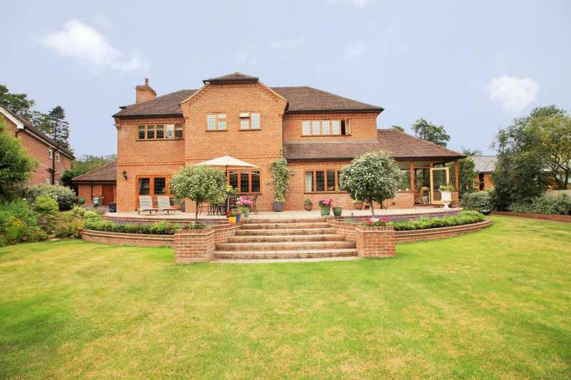 5 Bedrooms Detached House for sale in Bere Court Road, Pangbourne, Reading, Berkshire, RG8