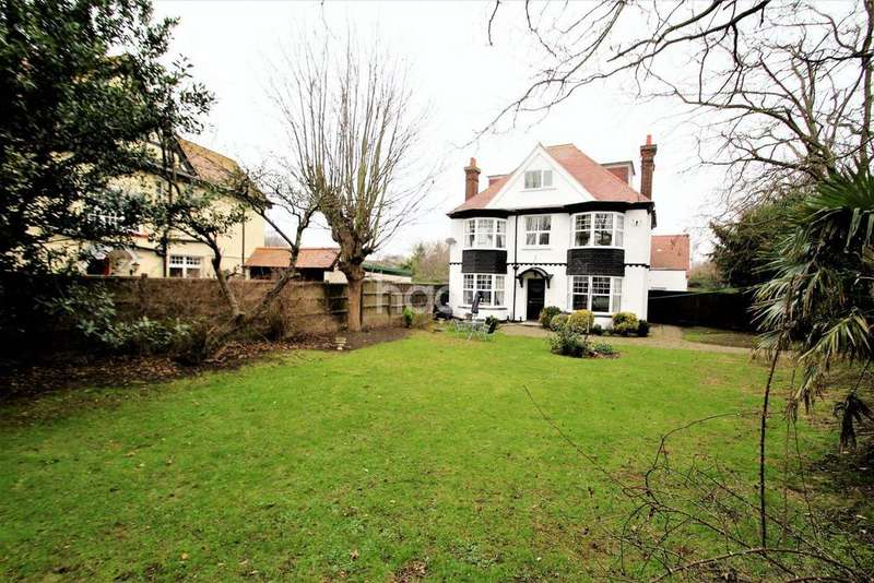 5 Bedrooms Detached House for sale in Frinton-on-sea
