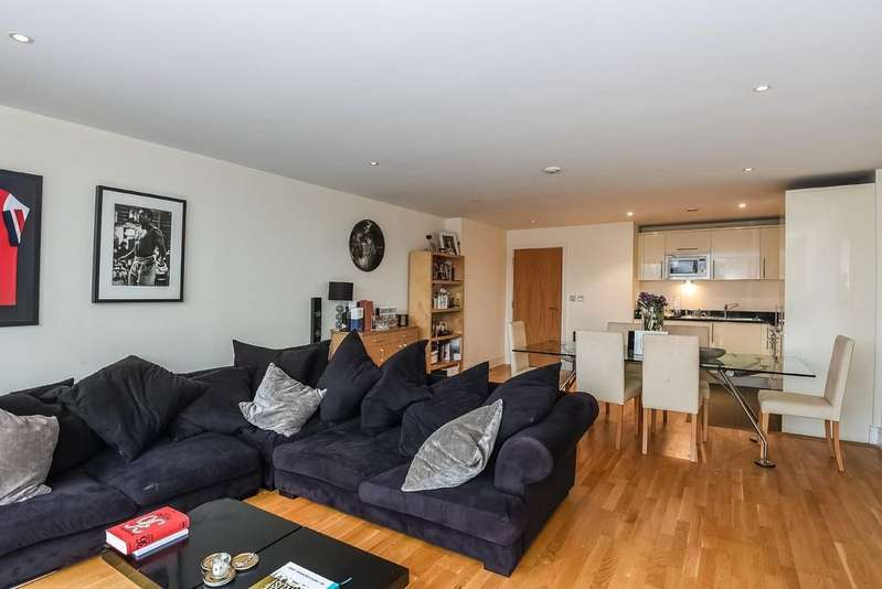 2 Bedrooms Apartment Flat for sale in Drayton Park, N5 1BF