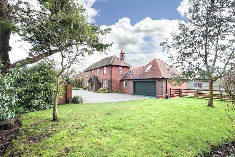4 Bedrooms Detached House for sale in High Street, Chapmanslade