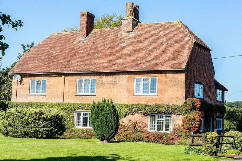 4 Bedrooms Detached House for sale in Hillside, Odiham, Hook, Hampshire