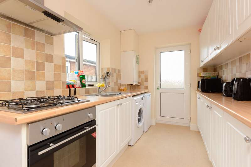 3 Bedrooms Semi Detached House for sale in Pretoria Road, Canterbury, CT1