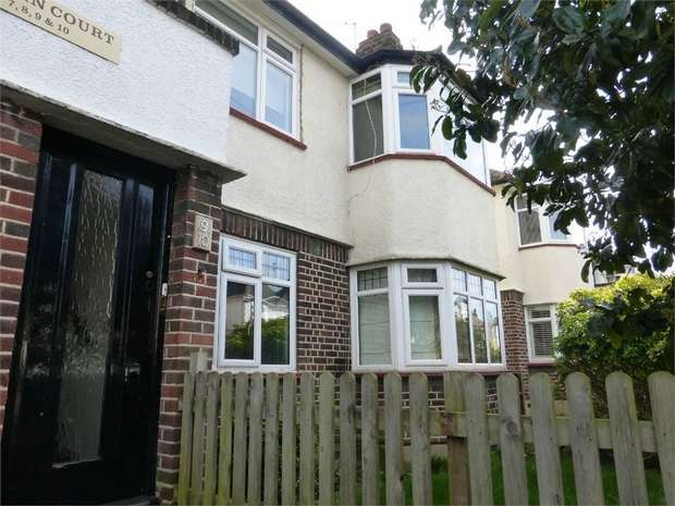 2 Bedrooms Maisonette Flat for sale in Woodlands Grove, Isleworth, Middlesex