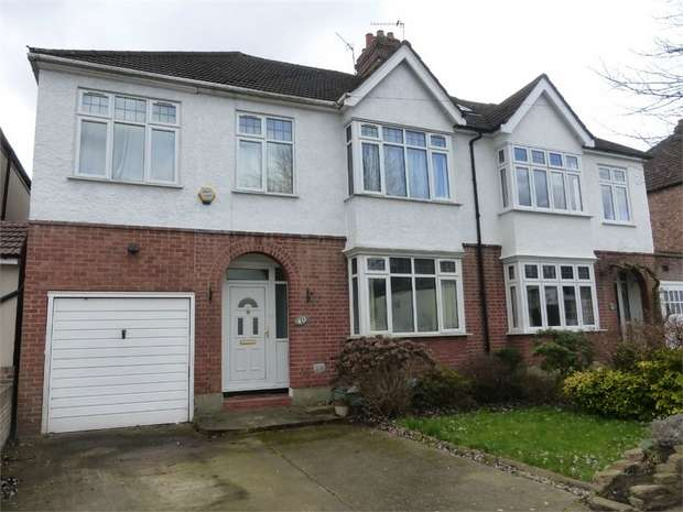 4 Bedrooms Semi Detached House for sale in Woodlands Road, Isleworth, Middlesex