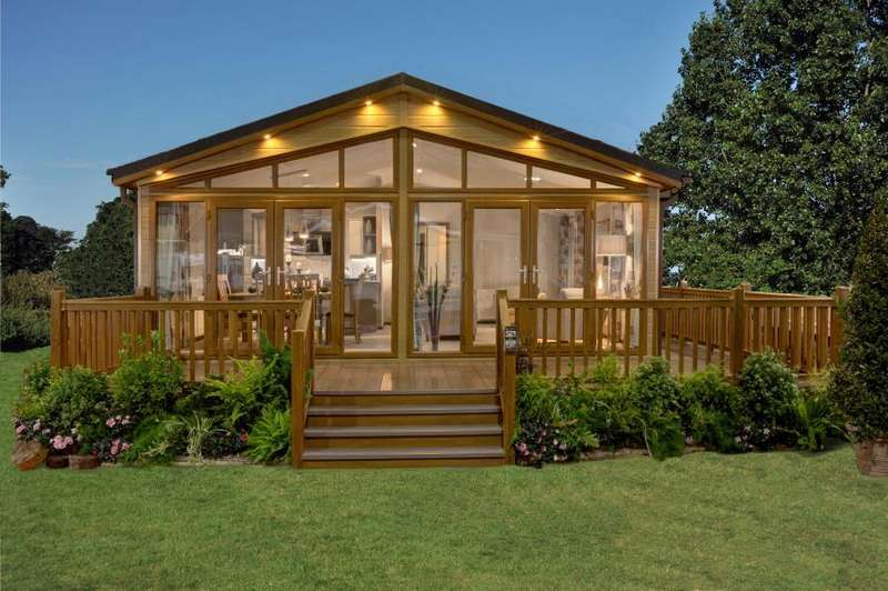 2 Bedrooms Lodge Character Property for sale in THE KINGFISHER, BLACKMOOR LANE, BARDSEY, LS17 9DZ