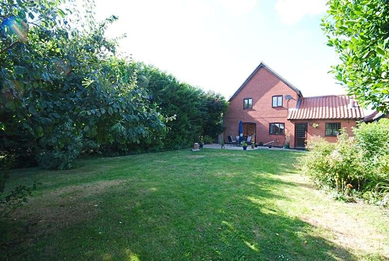 4 Bedrooms Detached House for sale in Church Road, North Lopham, Diss
