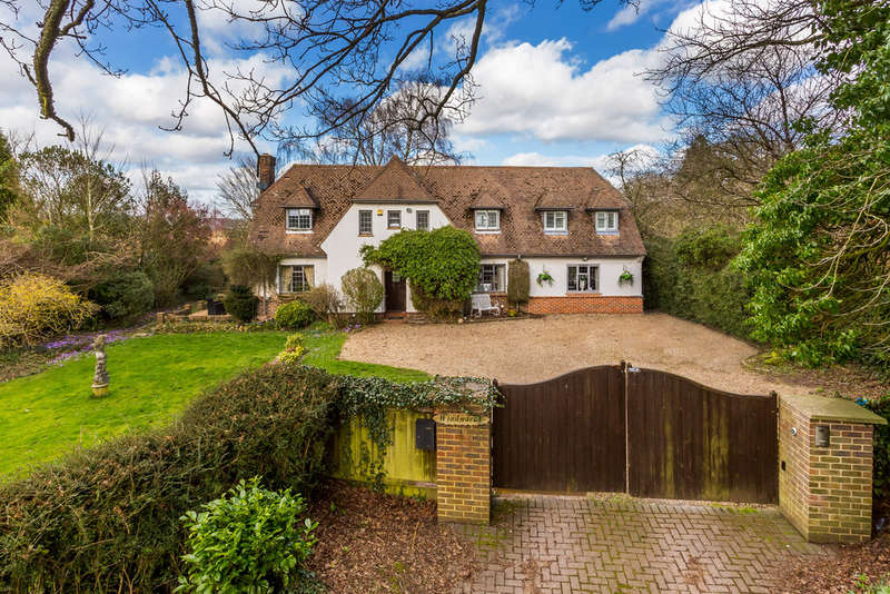 4 Bedrooms Detached House for sale in Ridlands Lane, Limpsfield Chart, RH8