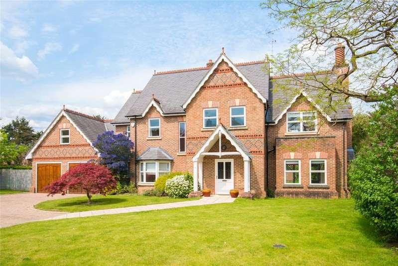 5 Bedrooms Detached House for sale in Stoneyfield, Gerrards Cross, Buckinghamshire