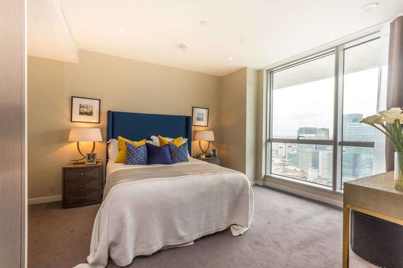 2 Bedrooms Flat for sale in Charrington Tower, Docklands, E14