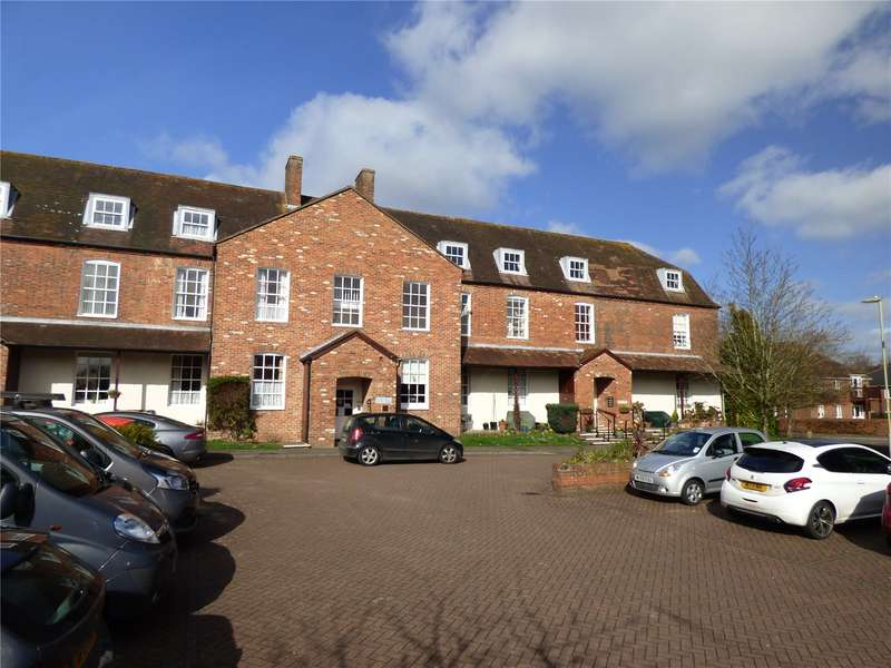 1 Bedroom Flat for sale in Adams House, 2 Adams Way, Alton, Hampshire, GU34