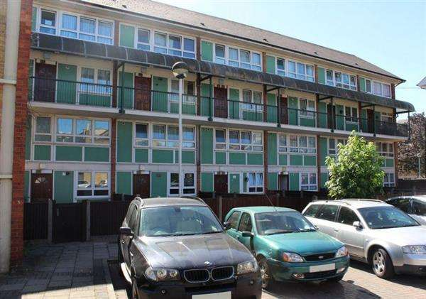 3 Bedrooms Apartment Flat for sale in Harberson Road, Stratford
