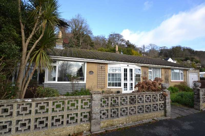 3 Bedrooms Detached Bungalow for sale in Castle Close, Ventnor