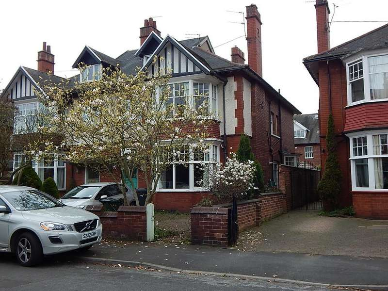 6 Bedrooms Semi Detached House for sale in Windsor Road, Town Moor