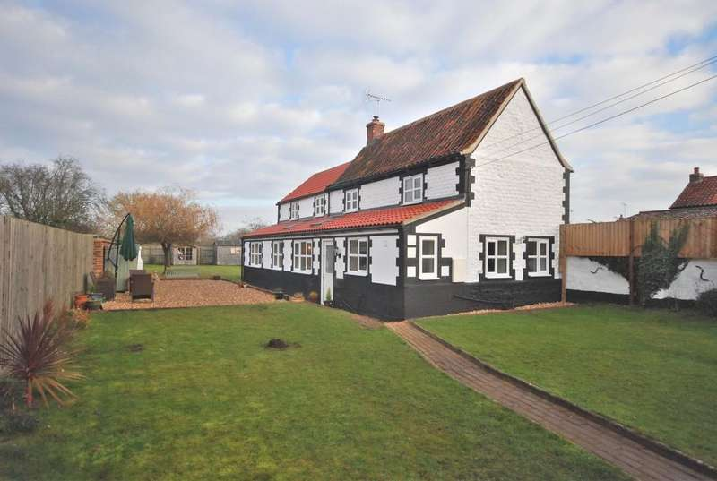 4 Bedrooms Detached House for sale in West End, Northwold