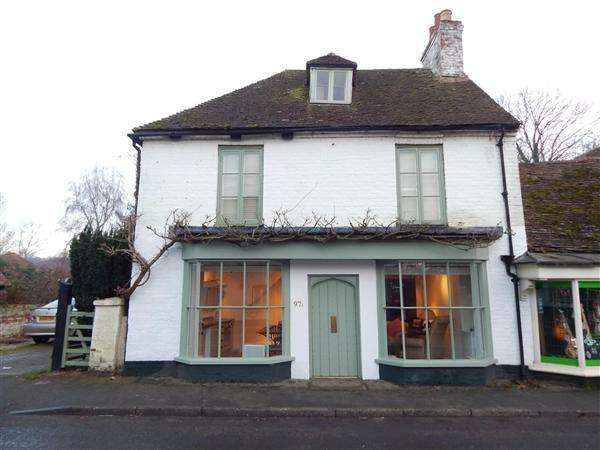 4 Bedrooms Semi Detached House for sale in High Street, Wingham